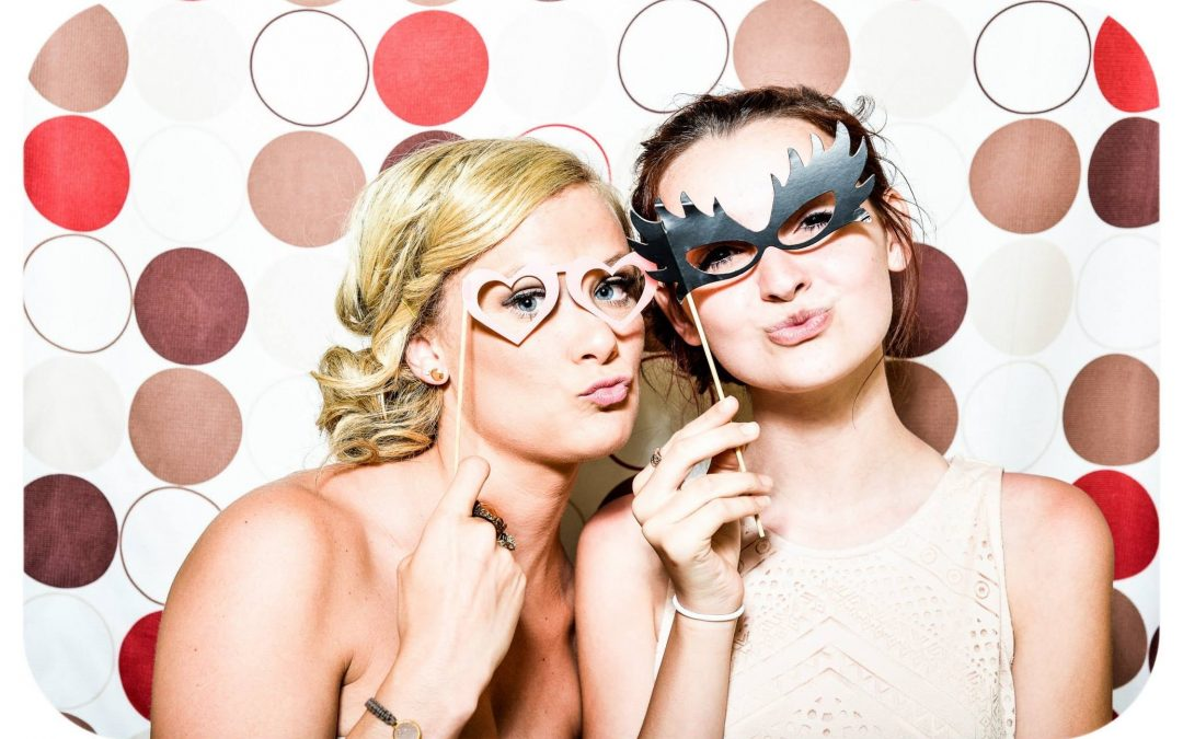 No Need to Photoshop – for Holiday Pictures and Parties
